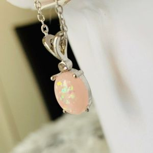 Jewelry - ⭐Soft Pink Opal Pendant Necklace